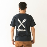 [ディナー]BACK LOGO V-NECK TEE